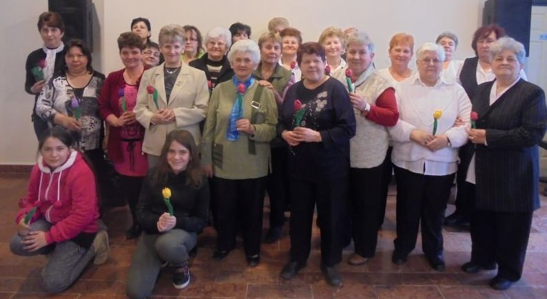 csoportkép a hölgyekről