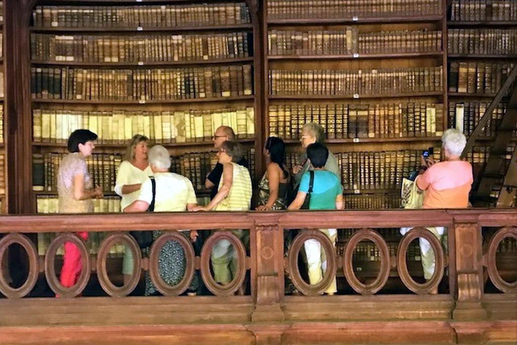 ingyenes társkereső könyvtárakkantoni társkereső oldal