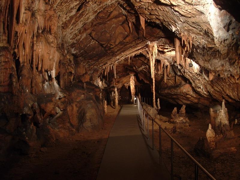 Képtalálatok a következőre: pál völgyi barlang