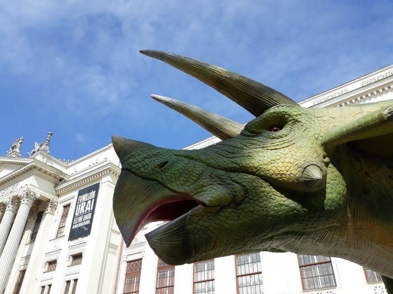 Dinoszaurusz társkereső